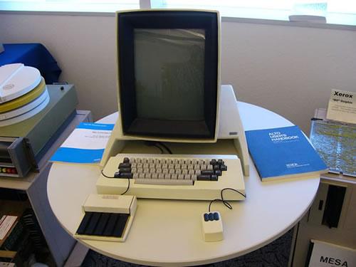 El Xerox Alto, probablemente, fue el primer ordenador en incluir el doble clic