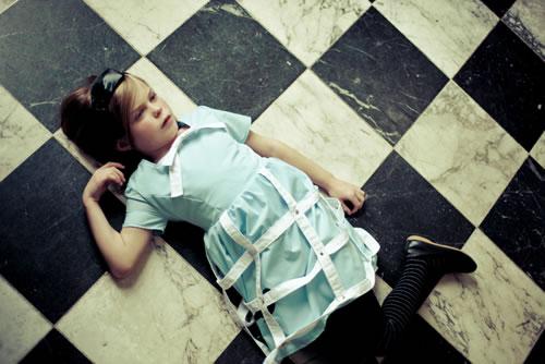Alice como la Alicia de Lewis Carroll