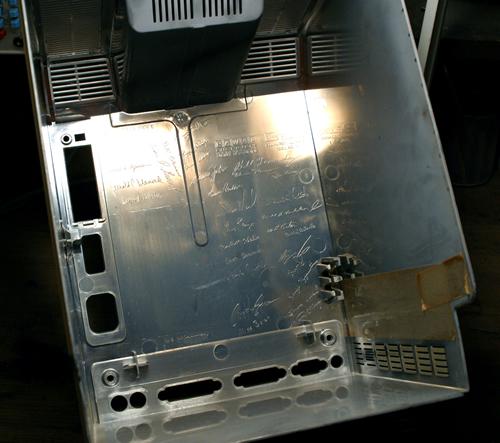 Firmas en el interior de la carcasa (clic para ampliar)