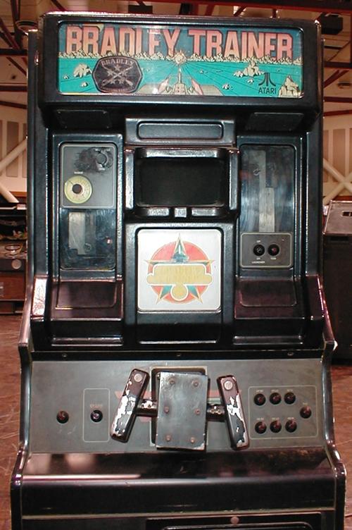 Máquina original de 'Bradley Trainer'