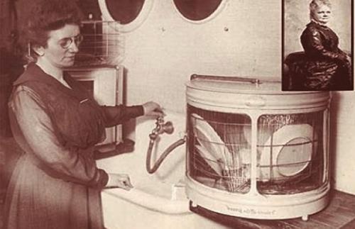 Josephine con su invento
